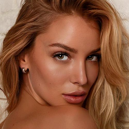 Ema-Kovac-attrice-modella-agenzia-Alex-Pacifico-Management